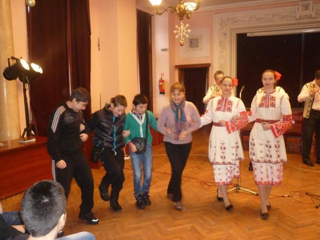 Образователен концерт на Народния оркестър за ученици от СОУ